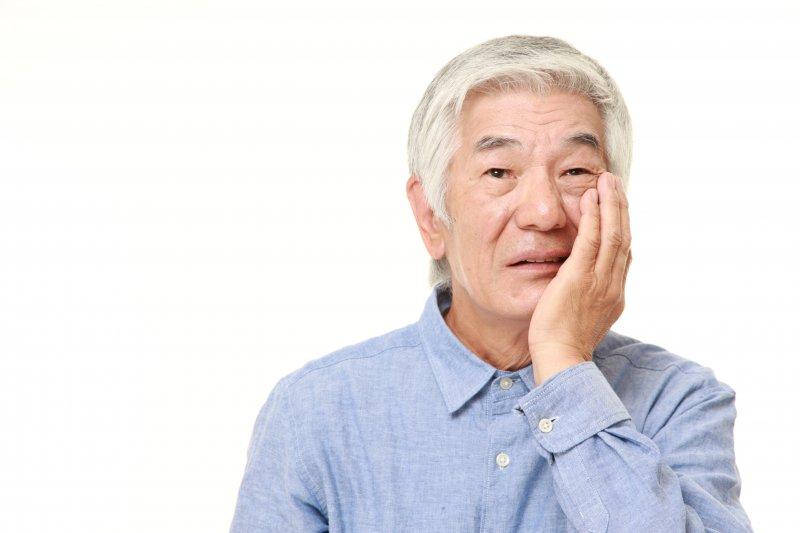 older man toothache needs emergency dentist in Stephens City